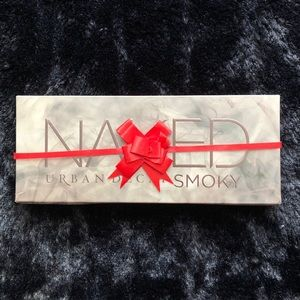 NWT Urban Decay Smoky Pallet